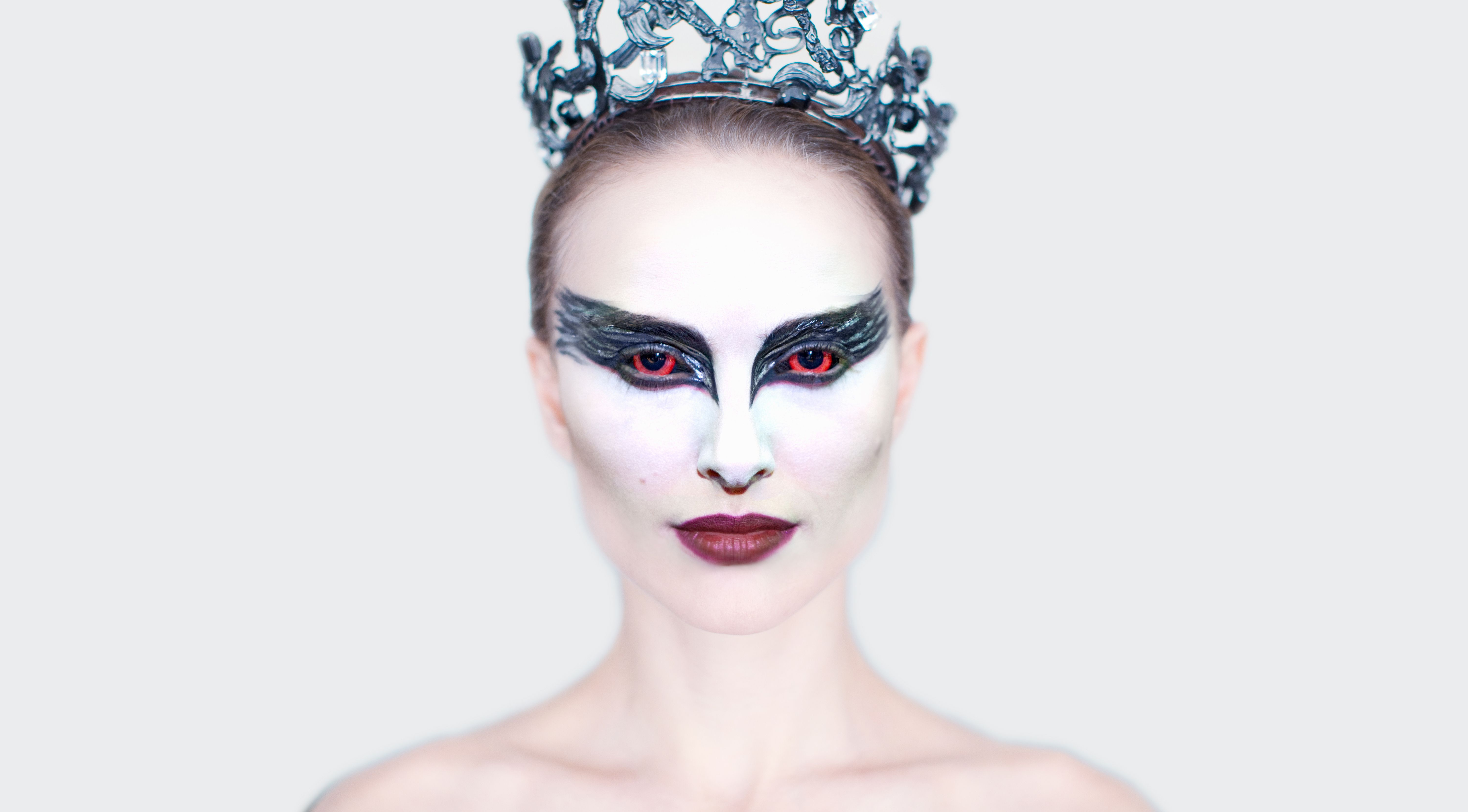 black swan First there was the phantom of the opera now, in darren aronofsky's black swan, you get the terror of the ballet the movie combines horror-movie tropes with the.