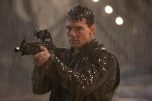Jack Reacher Tom Cruise with Rifle