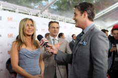 Jennifer Aniston gets interviewed on the red carpet by Ben Mulroney