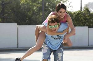 Shailene Woodley as Kat Connor and Shiloh Fernadez as Phil in White Bird in a Blizzard